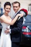 Pares jovenes de la boda fotos de archivo libres de regalías