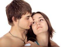Pares jovenes felices en amor Imágenes de archivo libres de regalías