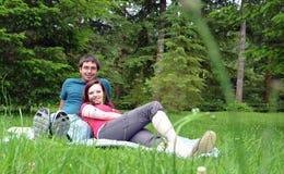 Pares jovenes felices en amor Fotografía de archivo libre de regalías