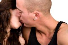Pares jovenes que están en amor Fotografía de archivo libre de regalías