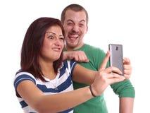 Pares jovenes que toman el selfie Fotografía de archivo libre de regalías