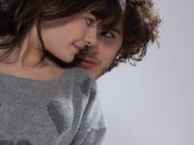 Pares jovenes románticos Foto de archivo