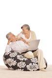 Pares maduros que relaxam Imagem de Stock