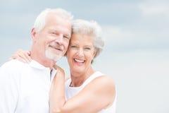 Pares mayores sonrientes Foto de archivo libre de regalías