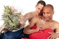 Pares mezclados del homosexual de la pertenencia étnica Imágenes de archivo libres de regalías