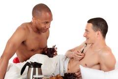 Pares mezclados del homosexual de la pertenencia étnica Foto de archivo libre de regalías
