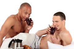 Pares mezclados del homosexual de la pertenencia étnica Fotografía de archivo