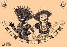 Pares multirraciais felizes que acenam sobre bandeiras - partido do aldeão de junho Imagem de Stock Royalty Free