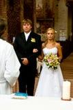 Pares na cerimónia de casamento Fotos de Stock