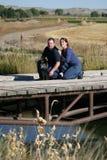 Pares na ponte Fotografia de Stock Royalty Free