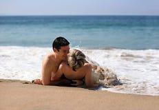 Pares na praia Imagem de Stock Royalty Free