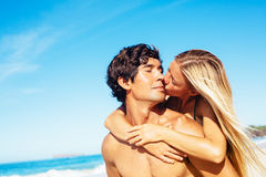 Pares na praia Imagens de Stock