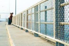 Pares na represa de Khun Dan Prakarnchon Imagem de Stock