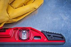 Pares nivelados da construção de luvas da segurança em b metálico riscado Imagem de Stock