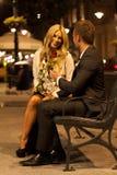 Pares no amor em uma data fotografia de stock royalty free