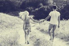 Pares no amor junto nas horas de verão Rebecca 36 Foto de Stock