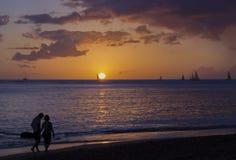 Pares no amor Waikiki Imagens de Stock Royalty Free