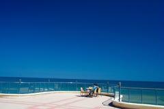 Pares no lado de mar Imagem de Stock
