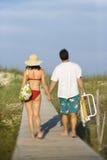 Pares no passeio à beira mar Imagens de Stock Royalty Free