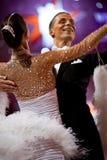 Pares no pose da dança no movimento Fotografia de Stock