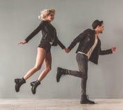 Pares novos à moda Fotos de Stock Royalty Free