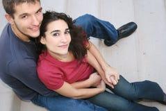 Pares novos no amor, ao ar livre Imagem de Stock