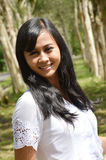 Pares nupciais indonésios que prewedding o photoshoot foto de stock