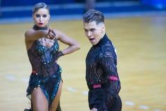 """Pares programa americano del †de Egor Koval y de Aleksandra Kotova Performs Adult Latin """" fotografía de archivo libre de regalías"""