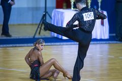 """Pares programa americano del †de Egor Koval y de Aleksandra Kotova Performs Adult Latin """" imagen de archivo libre de regalías"""