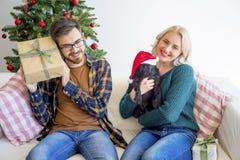 Pares que celebran Año Nuevo Fotografía de archivo libre de regalías