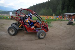 Pares que conduzem o Buggy de duna Foto de Stock