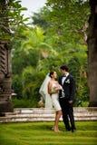 Pares que consiguen casados Foto de archivo