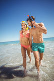 Pares que corren en agua Imagen de archivo libre de regalías