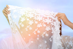 Pares que mostram o amor e feliz viajar em qualquer lugar Fotografia de Stock Royalty Free
