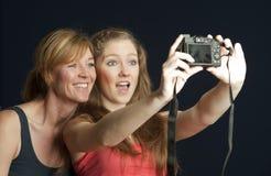 Pares que toman una foto del selfie Fotografía de archivo libre de regalías
