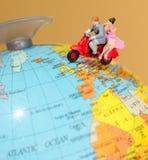 Pares que viajam em Europa Fotografia de Stock Royalty Free