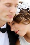 Pares románticos del recién casado Fotografía de archivo libre de regalías
