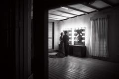 Pares románticos en teatro Foto de archivo