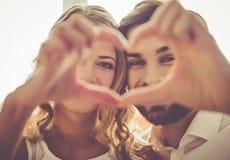 Pares românticos bonitos fotografia de stock royalty free