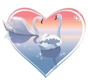 Pares românticos das cisnes, por do sol em uma forma do coração. Ilustração do vetor Foto de Stock