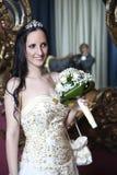 Pares românticos do casamento da forma do vintage no hotel Fotos de Stock Royalty Free