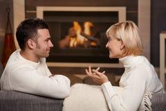 Pares românticos em casa Imagem de Stock Royalty Free