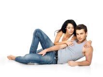 Pares 'sexy' bonitos no amor Imagens de Stock