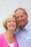 Pares superiores amigáveis felizes Fotos de Stock Royalty Free
