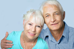 Pares superiores que olham 2 felizes Imagem de Stock Royalty Free