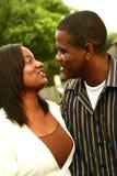 Pares Talkin do americano africano imagem de stock royalty free
