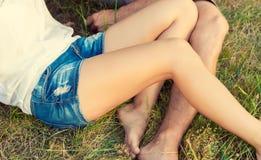Pares una fecha, concepto del amor del verano Imagenes de archivo