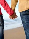 paret hands holdingen Royaltyfria Bilder