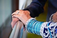 paret hands holdingen Royaltyfri Foto