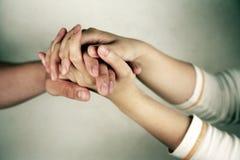 paret hands holdingen Arkivbilder